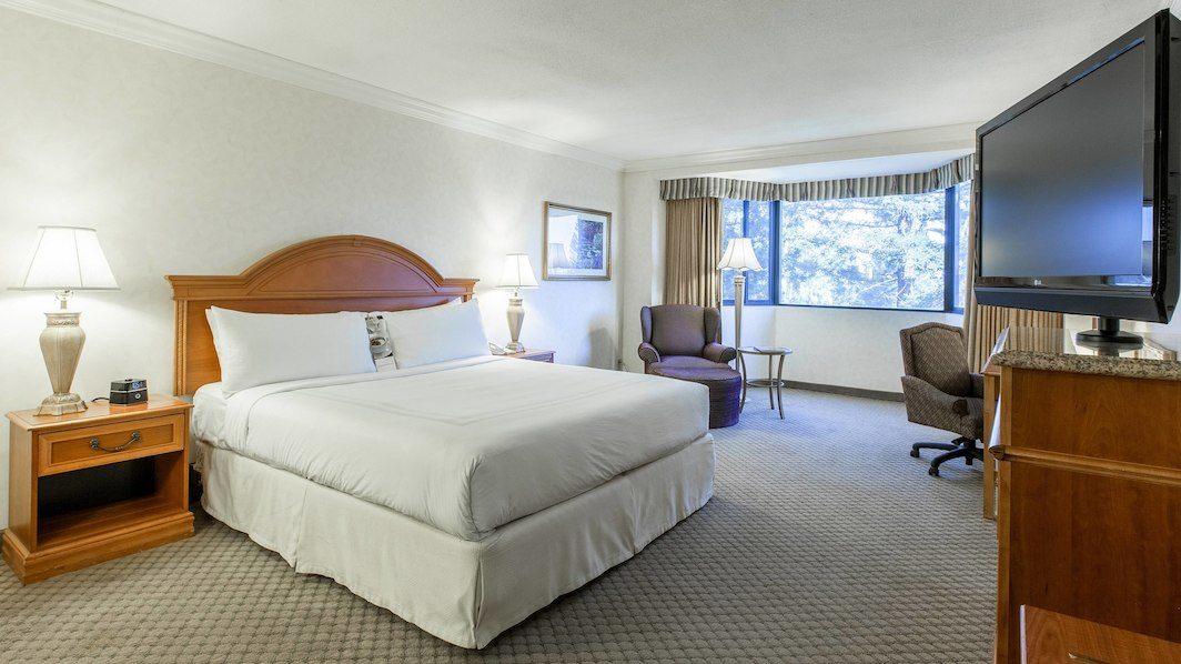 Concierge Level, Guest Room, 1 King, High Floor