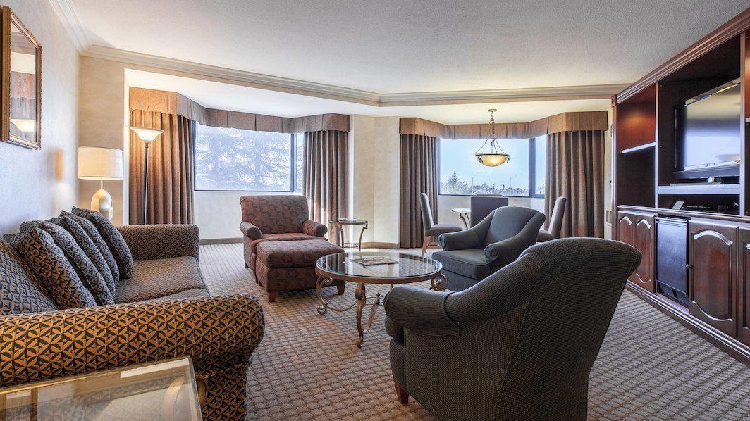 One Bedroom Suites, 1 King, Sofa Bed